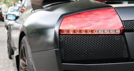 Matzwarte Lamborghini Murcielago LP640 met roze interieur