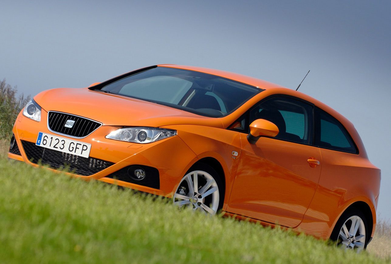 seat ibiza sport coup in zonnig oranje tintje. Black Bedroom Furniture Sets. Home Design Ideas