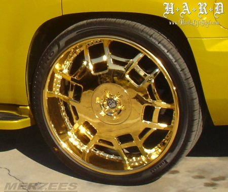 Chevy Tahoe gold rims