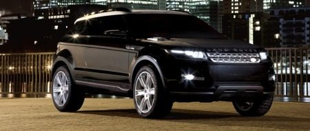 Land Rover LRX in het zwart