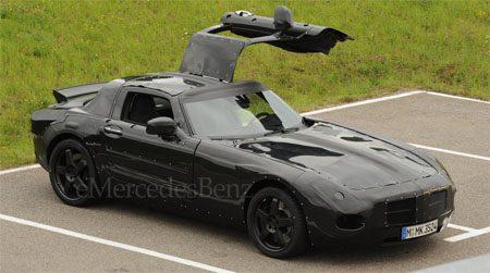 Mercedes SLC Gullwing spyshot