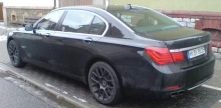 BMW 760Li spyshot