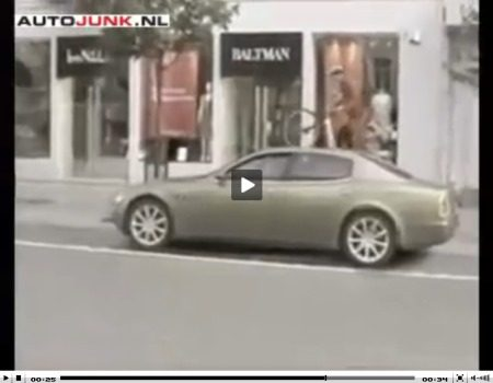 Maserati Quattroporte fietser video