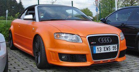 Audi RS4 Cabrio mat-oranje