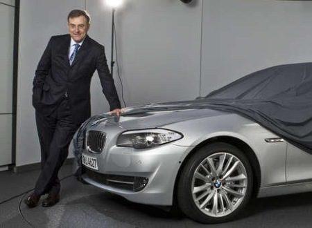 Vies mannetje zit aan neusje BMW F10