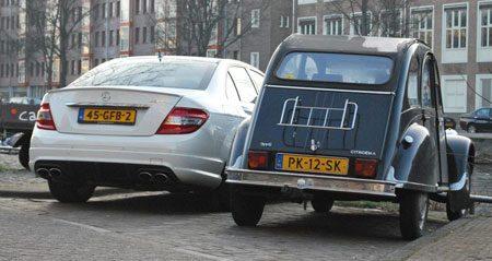 Mercedes C 63 AMG en Citroën 2CV6