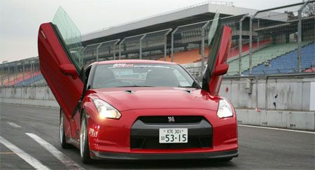 Nissan GT-R LSD doors