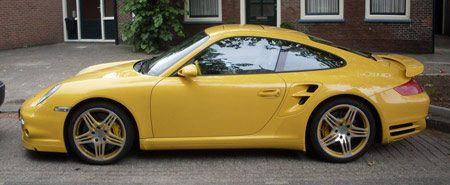 Porsche 997 Turbo yellow-on-yellow