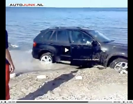 Video BMW X5 gaat varen