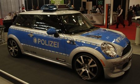 Elektrische polizei-MINI van Tune it! Safe!