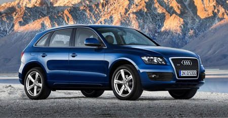 Audi Q7 blue metallic