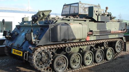Verras je vriendin voor kerst: koop een tank