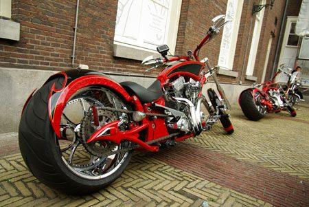 Motoren uit Rusland, custom - Foto Jim Appelmelk