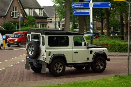 Land Rover Defender - Foto Jim Appelmelk