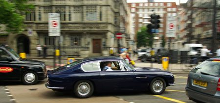 Aston-Martin DB6 in Londen - Foto: Jim Appelmelk