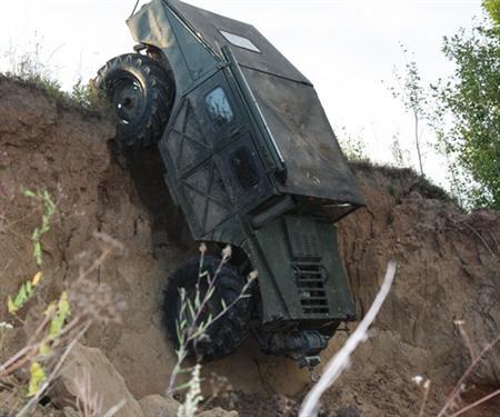Humvee Wannabe doet afdaling