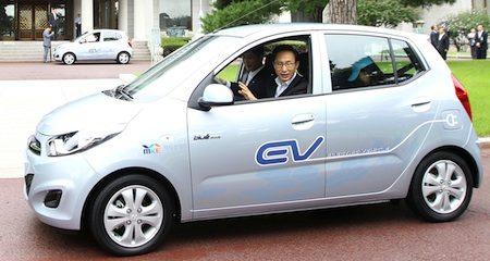Hyundai BlueOn taxi