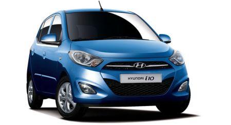 Hyundai i10 staat in Parijs