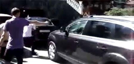 In Russia, car makes fun of you