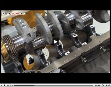 Bentley Mulsanne motor assemblage