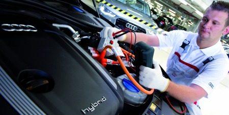 Duitse arbeidert met een A8 Hybrid