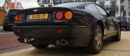 Aston-Martin_V8_Vantage_Le_Mans