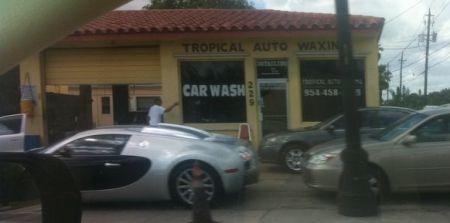 Bugatti Veyron @ Cheapo carwash