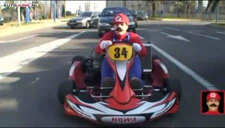 Mario kart door Parijs