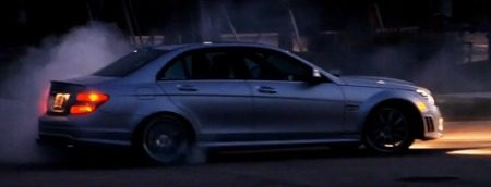 Mercedes C63 AMG RENNtech doet donuts