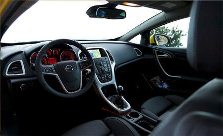 Opel Astra GTC interieur