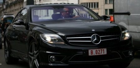 Prins Laurent in een CL AMG. Foto: Autogespot.com