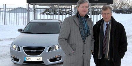 Victor Muller voor een Saab