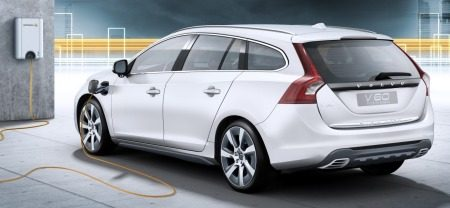 volvo v60 diesel plug in hybrid 49 gram co2 per km. Black Bedroom Furniture Sets. Home Design Ideas