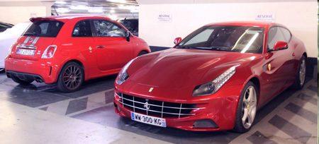 Parking Foch Ferrari FF en Abarth 500 Tributo Ferrari