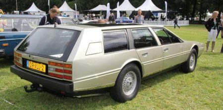 Aston Martin Lagonda station met trekhaak
