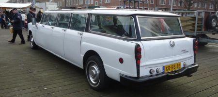 Checker Aerobus limousine