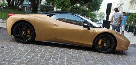 Ferrari 458 Italia mat goud