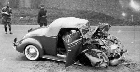 Ford DeLuxe Cabriolet gecrasht door Prins Bernhard in 1937