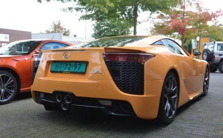 Oranje Lexus LFA in Nederland