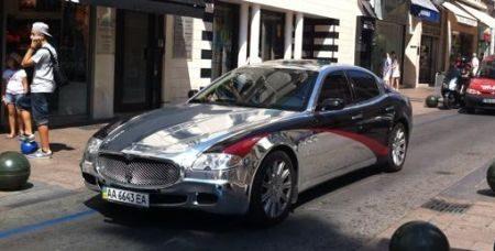 Blinkende Maserati Quattroporte