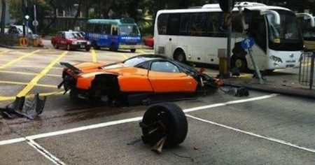Zonda-crash in hong Kong