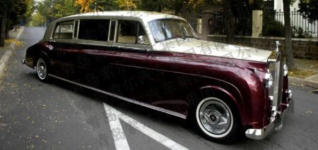 Qingdao SOAR Classic Car Rolls-Royce Phantom V replica