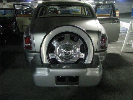 Rolls-Royce Phantom met reservewiel