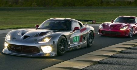 SRT Viper GTS-R is ready to race