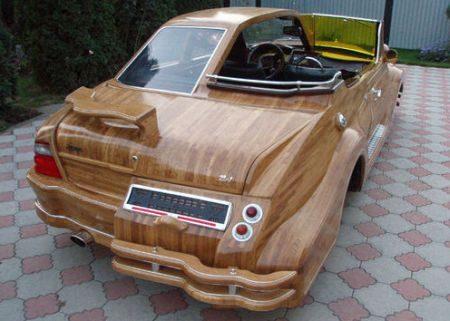 Vasily Lazarenko houten auto