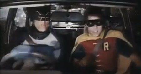 Batman rijdt MG Metro in de spits!