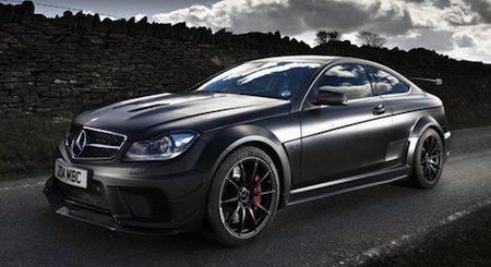 Mercedes C63 Amg Black Series Toont Zijn Dark Side