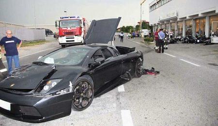 Motorfietskillende Lamborghini