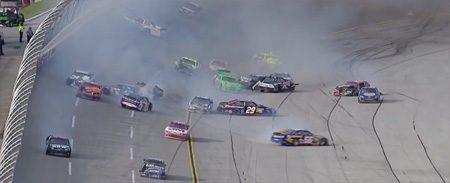NASCAR crash in Talladega: alles kan kapot