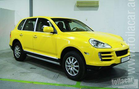Porsche Cayenne geel